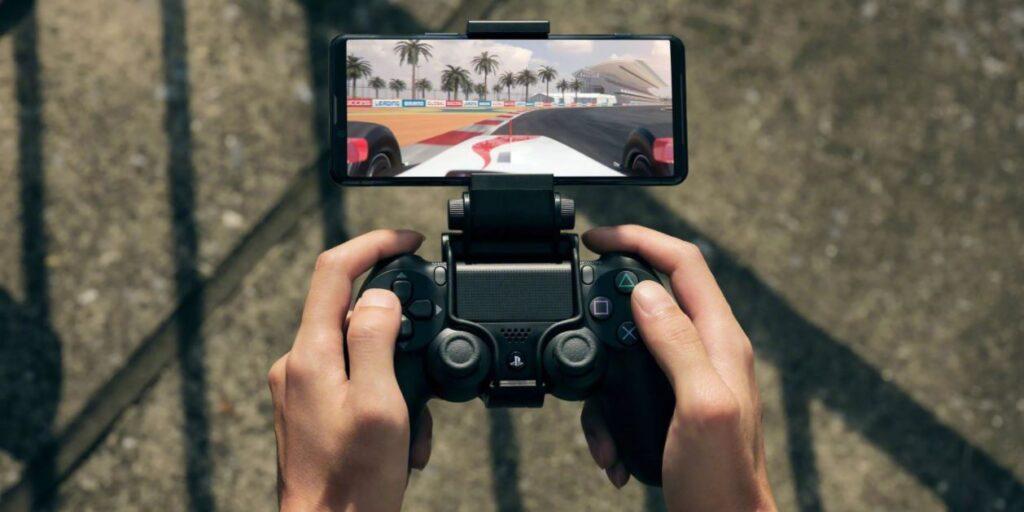 Gaming set on smartphone