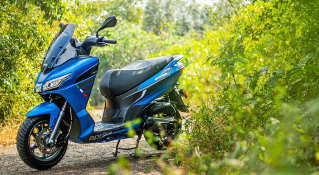 aprilia sxr 160 in nepal, aprilia sxr 160 blue color, aprilia sxr 160 design, maxii scooter in nepal, maxi scooter, aprilia maxi scooter, aprilia sxr 160 cost, aprilia sxr 160 price