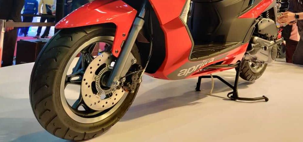 12 inch tire, 12 inch tyre, alloy wheels, scooter tyres in nepal, scooter tires in nepal, scooter with abs, abs, anti lock braking system on scooter